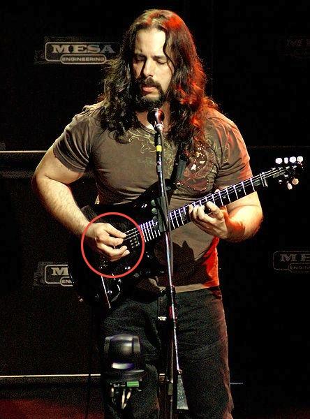 cara memegang pick gitar ala john petrucci